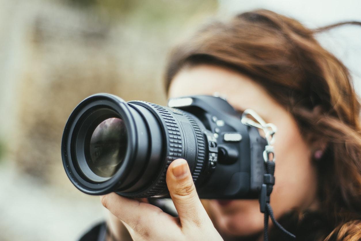 using manual focus with autofocus will damage